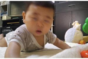 「#赤ちゃんの写真へたくそ選手権」が、3秒...