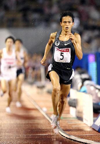 男子1万メートルで優勝した大迫傑=西畑志朗撮影