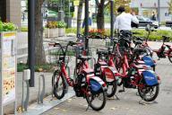 企業の広告が入ったシェア自転車