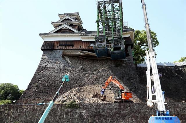 復旧工事が進む熊本城大天守