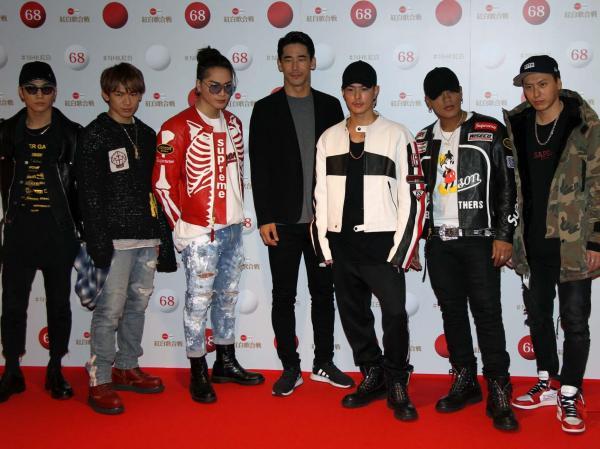リハーサルに登場した三代目 J Soul Brothers
