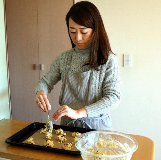 同じく専業主婦だった母直伝のレシピでオートミールクッキーを作る