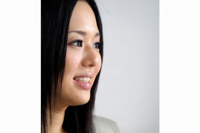 インタビューに答える蒼井そらさん=2012年9月14日午後、渋谷区渋谷2丁目、山口明夏撮影