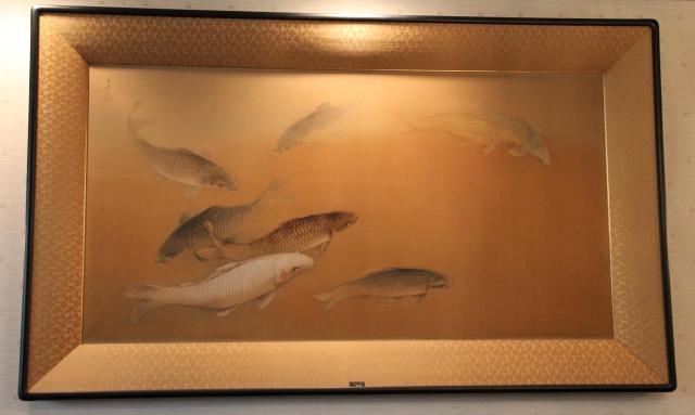 グランドマスター室に飾られていたコイの絵。役員室っぽい
