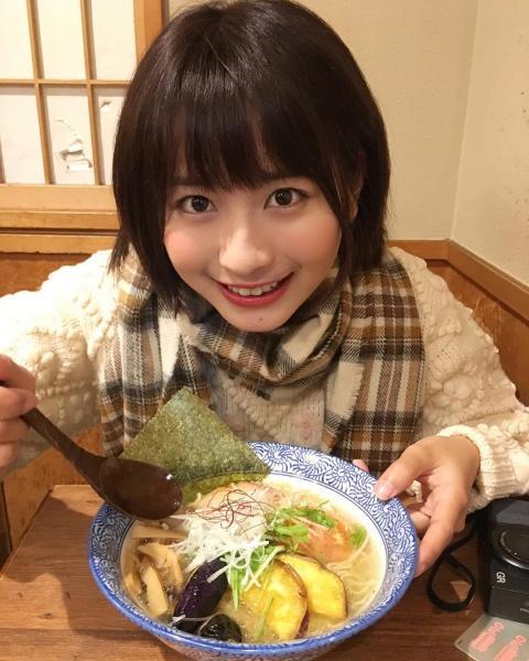 新垣結衣さんに似ていると話題になった中国・上海に住む大学生の栗子さん(22)