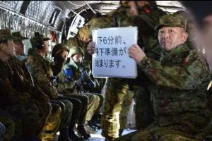 跳ぶたびに怖さ乗り越え 陸自空挺団ガチ訓練の神髄、中年記者が体感