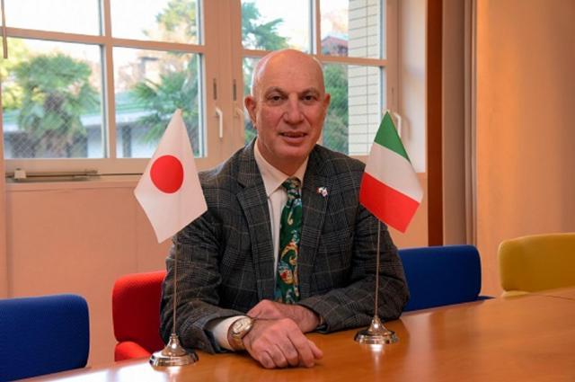 イタリア大使館のジャンニコ・レッテルさん