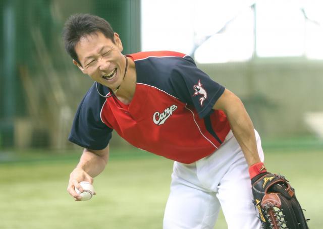 1軍復帰に向け、調整を続ける赤松真人選手=2017年9月1日、広島県廿日市市