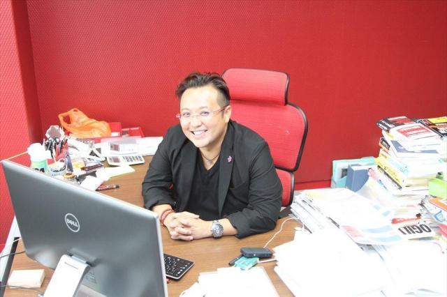 大企業を経験した後、ベンチャーを起業した加藤公一レオさん