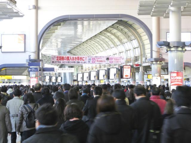 """品川駅に陣取る""""彼ら"""" ※写真はイメージです"""