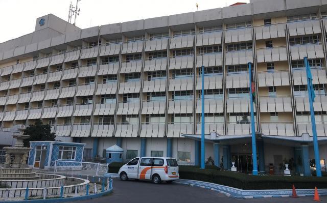 アフガンの首都カブールにあるインターコンチネンタルホテルは6階建てで客室が多い。襲撃を受ける約半年前の写真=2017年7月、乗京真知撮影