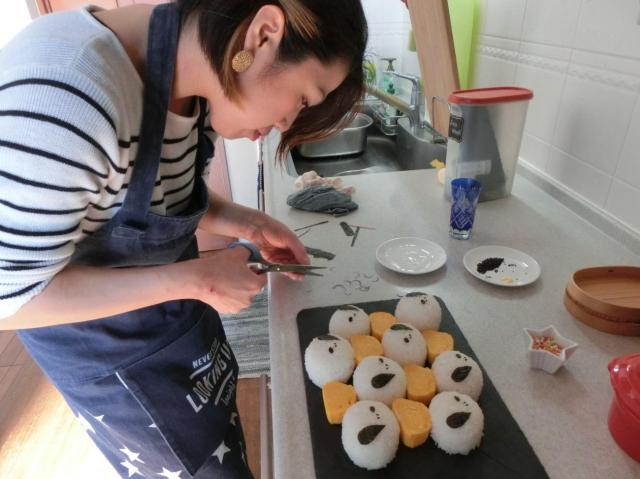 料理本はあまりみないというANNAさん。味付けも普段の料理と同じように目分量が基本