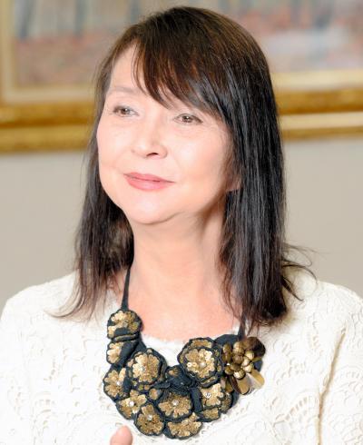 俳優の秋川リサさん