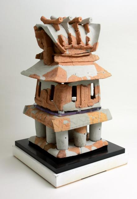家形埴輪=紀伊風土記の丘提供