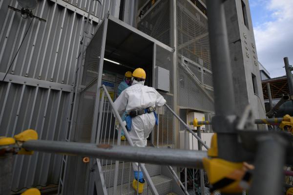 福島第一原発3号機最上階へ向かうエレベーター=福島県大熊町、竹花徹朗撮影