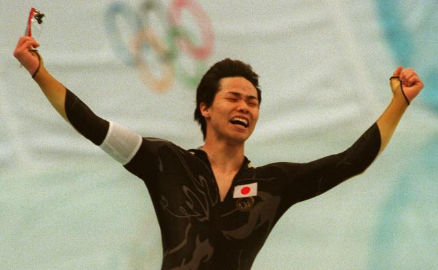 1998年の長野五輪でスケート男子500メートルで優勝を決めた清水宏保選手