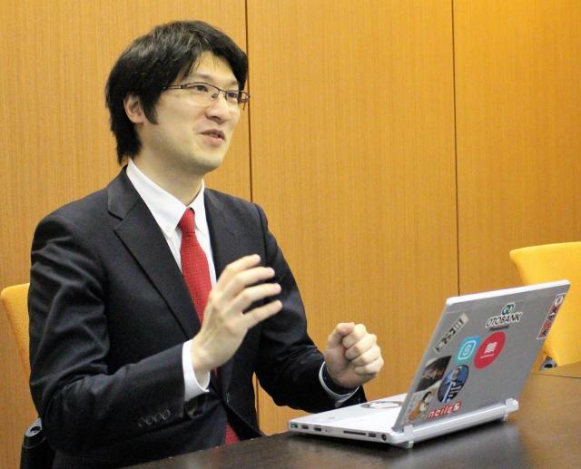 上田渉(うえだ・わたる) 株式会社オトバンク代表取締役会長。1980年神奈川県生まれ。東京大学在学中からNPOの立ち上げやIT企業の経営を経て、2004年にオトバンクを創業。緑内障で失明していた祖父の影響で、目の不自由な人のための仕事を目指したという。2007年にオーディオブック配信サイト「FeBe」を立ち上げ、現在に至る。著書に『勉強革命』(マガジンハウス、オーディオブックもある)など