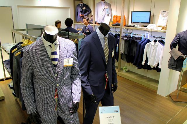 デパートの紳士服売り場