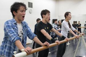 劇団四季、団員が味わう「キャッツ筋」の苦しみ 本番直前の儀式
