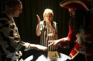 2008年11月にカナダのトロントであった「じゃんけん世界選手権」での対戦=ロイター