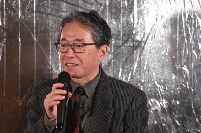 作家の阿川大樹さん。「人口の密集度は、仕事の密集度でもあり、汗の塊でもある。この街の密集度はすごいなって思っています」