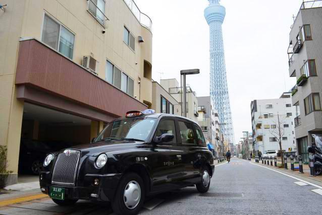 「面接タクシー」で使用される予定のロンドンタクシー。レトロな雰囲気で特別感を味わえる