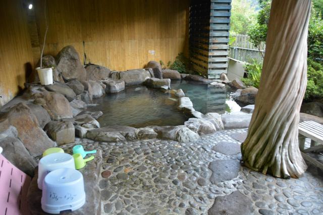 「家族湯ゆぅ~ゆぅ~」の風呂=鹿児島県日置市