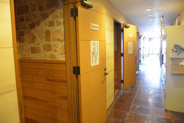 一本桜温泉センターの家族湯の入り口=鹿児島市