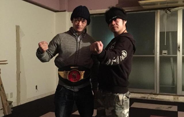 金子選手(左)が師匠と仰ぐ関根悟史さん