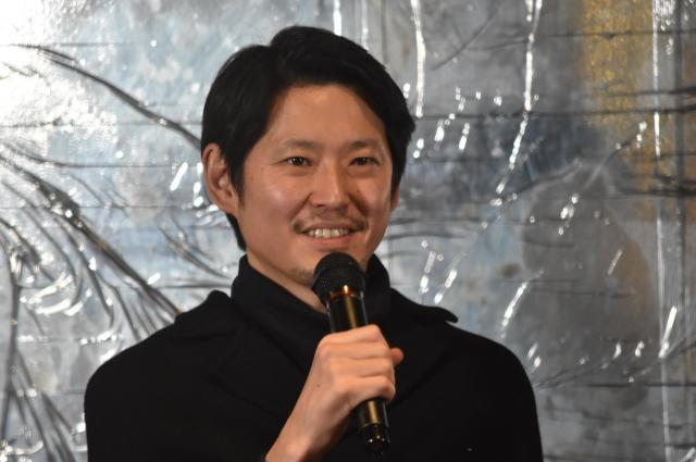 「歌舞伎町は、どんな格好をしていてもいい街」と語る手塚さん