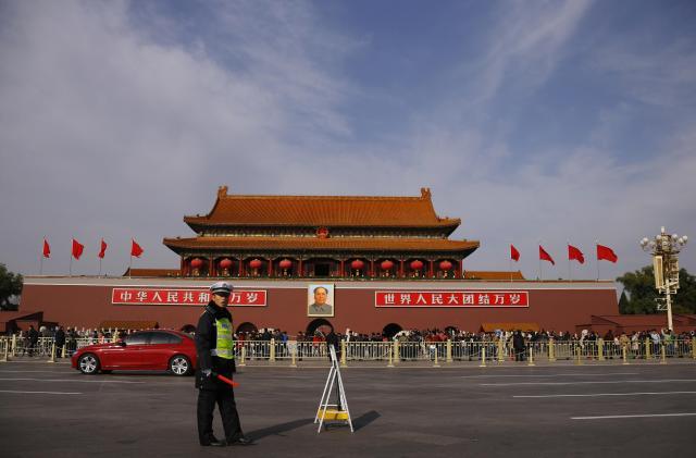 天安門広場の風景=2012年10月、北京