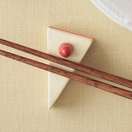 箸置きは全7種類。こちらは「苺のショートケーキ」