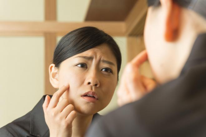 肌の不調が仕事にも悪影響を与える?