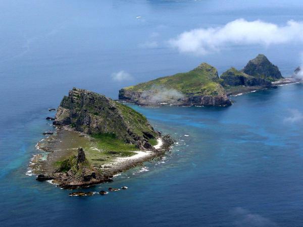 沖縄県石垣市の尖閣諸島=2013年、朝日新聞社機から