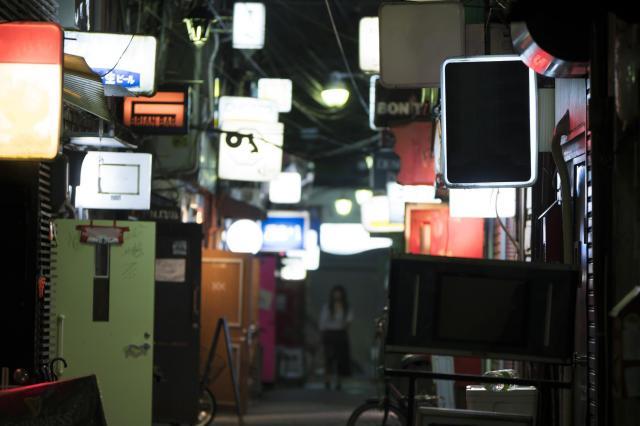 お店が密集するゴールデン街(画像はイメージです)