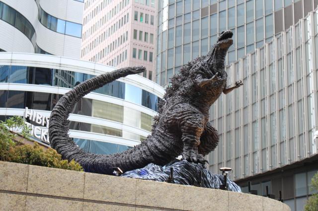 全長3メートルの迫力ある新・ゴジラ像