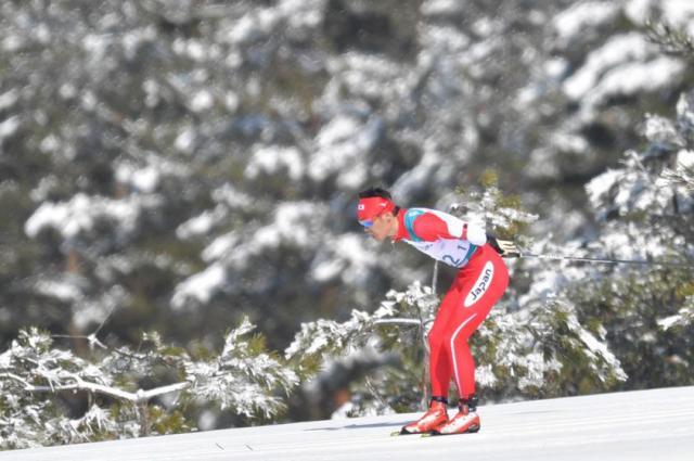 スキー距離男子10キロクラシカルで滑走する新田佳浩選手
