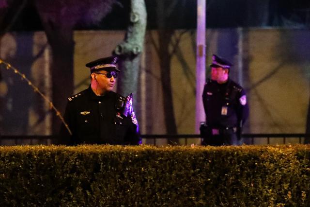 26日夜、警備にあたっていた警察官
