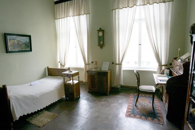 ベルリンの「森鷗外記念館」には、鷗外の居室が復元されている