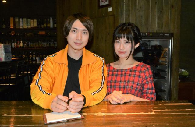マドジャスさん(右)と彼氏の秋ノ宮公太郎さん=東京都新宿区