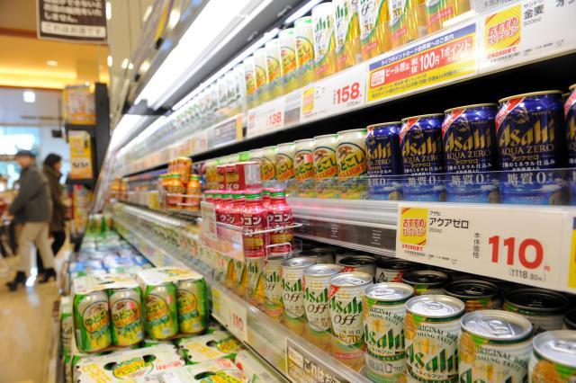 スーパーの店頭に並んだ糖質オフをうたう商品