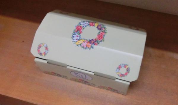獣医師の鈴木玉機さんが作ったペット用の棺