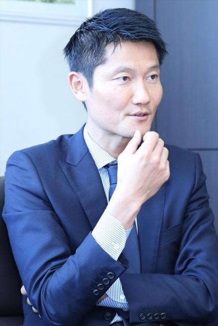 現在、NPO法人日本ビーチ文化振興協会の理事長も務める朝日さん