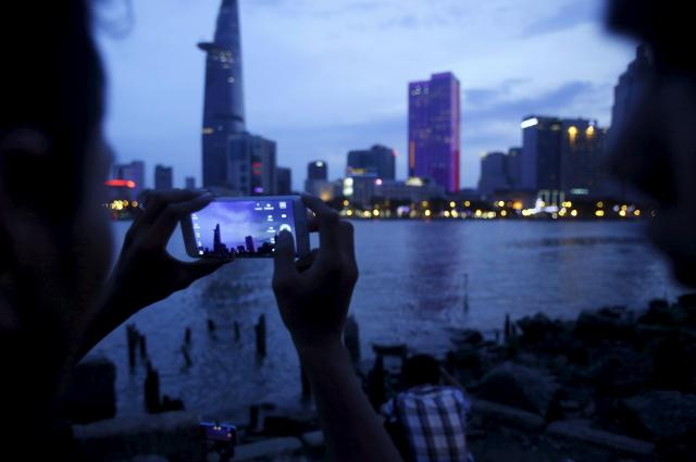 ベトナム最大の都市、ホーチミン市の夜景=2015年8月2日