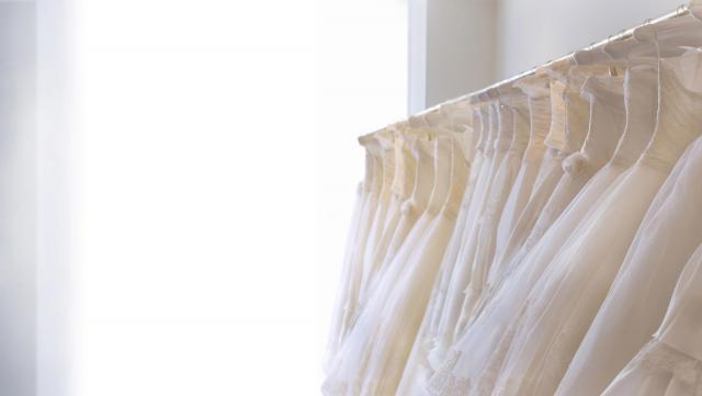 「ウェディングドレスに憧れるのと同じで、夫の姓を名乗ることに、憧れがないわけでもなかった」 ※画像はイメージです