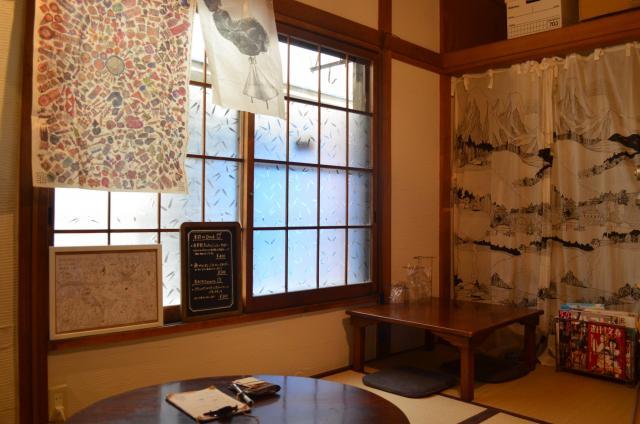 「センジュ出版」のブックカフェ