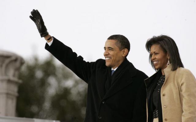ワシントンで就任式に臨むオバマ大統領(当時)とミシェル夫人=2009年1月