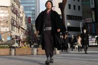 毎日着物で通勤するIT系の技術者、田中達彦さん