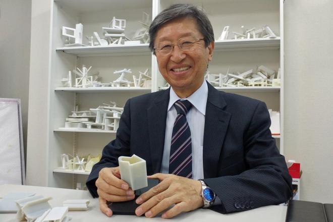 この立体を考案した明治大学の特任教授・杉原厚吉さん