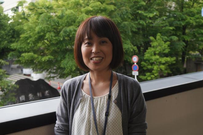 摂食障害といった「生きづらさ」で悩む女性を支援したいと話す鈴木こころさん